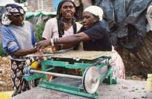 Frauengruppe bei der FCR Produktion in Kitui-Pumwani, 1990
