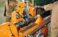 Die Kurbelwellenschleifmaschine in Gebrauch, 1990