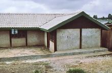 Mit FCR-Dachziegeln abgedeckt Schule in Kitui-Pumwani, 1990