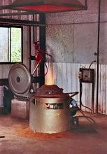 In der Gießerei vom ITTU Tamale, 1991