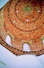 Die große Kuppel im Insha Zentrum von innen