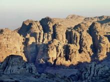 Die Berge von Petra im Morgenlicht