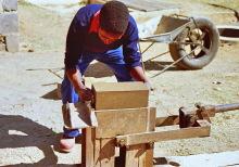 Produktion von Lehmsteinen im RIIC, 1986