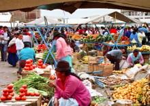 Gemüse und Obst auf dem Sasquisili Markt