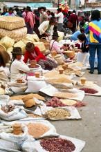 Auf dem Sasquisili Markt