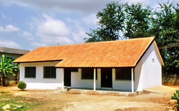 PIEGIE Construction, Musterhaus in Accra mit FCR Dachziegeln,10.11.