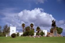 Die Alte Feste mit dem Reiterdenkmal, 1992