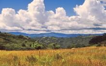Tiefhängende Wolken in den Eastern Highlands
