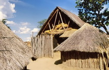 African village, Eingang, 4.4.1988