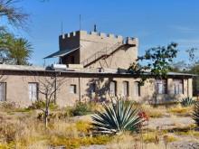Außenseite der Sesfontein Lodge, 18.07.