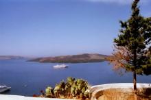 Ausblick von Thira zur Neo Kameni Insel, 12.6.