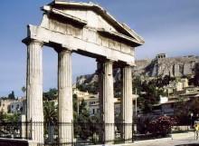 Eingangstor zur römischen Agora in Athen, 8.9.