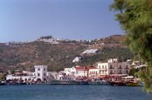 Der Hafen mit dem Blick auf das Kloster, Patmos, Juni 1991