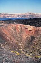 Blick in den Krater vom Neo Kameni, 23.6.