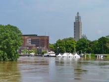 Die Elbe fast auf dem Höchststand im Juni 2013