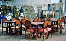 Möbeltischlerei im informellen Sektor von Mbare in Harare, 1985