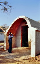Gewölbebau bei Ecological Designs in 1986