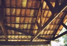 Dachabdeckung aus Leichtbetonziegeln im CATC in Chitepo, 1988