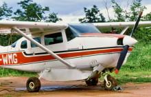 Mit dem Flugzeug auf die Insel Fothergill, 2.2.1985