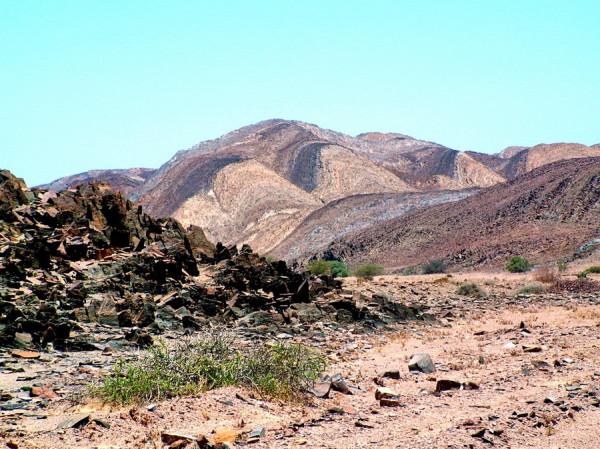 Geologische Wunder im Brandberg West vor dem Rhino Camp, 15.11.2003