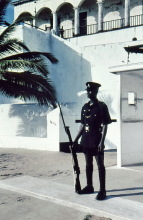 Wache am Eingang vom Elmina Castle, 1982