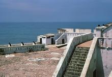 Blick von der Burg in Cape Coast zum Meer, 1974
