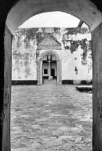 Durchblicke vom Innenhof im Fort Sebastian, 1969