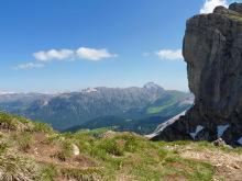 Blick auf den Peitler Kofel und das Vilnöß Tal von der Pana Scharte, 27.06.