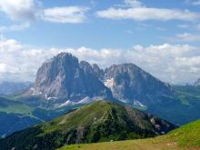 Der Pic Berg mit Lang- und Plattkofel, 6.7.