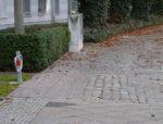 Fußweg mit unterschiedlicher Pflasterung